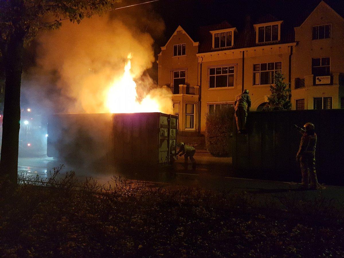 Brand containers Stadhouderslaan geblust